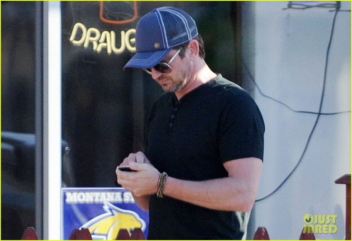 gerard butler joxer dalys afternoon outing 022761914