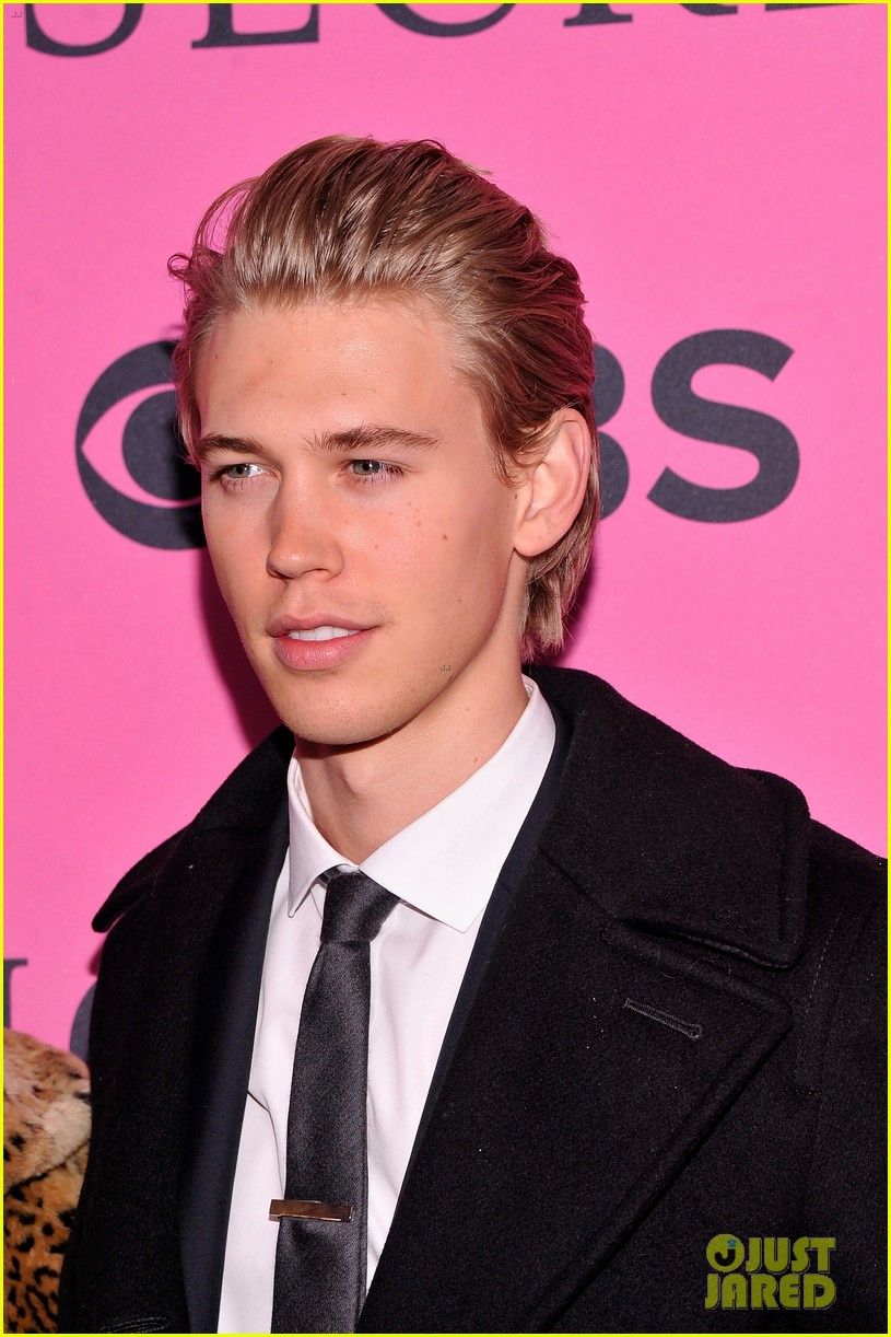 vanessa hudgens rolling stone party with austin butler 062753389