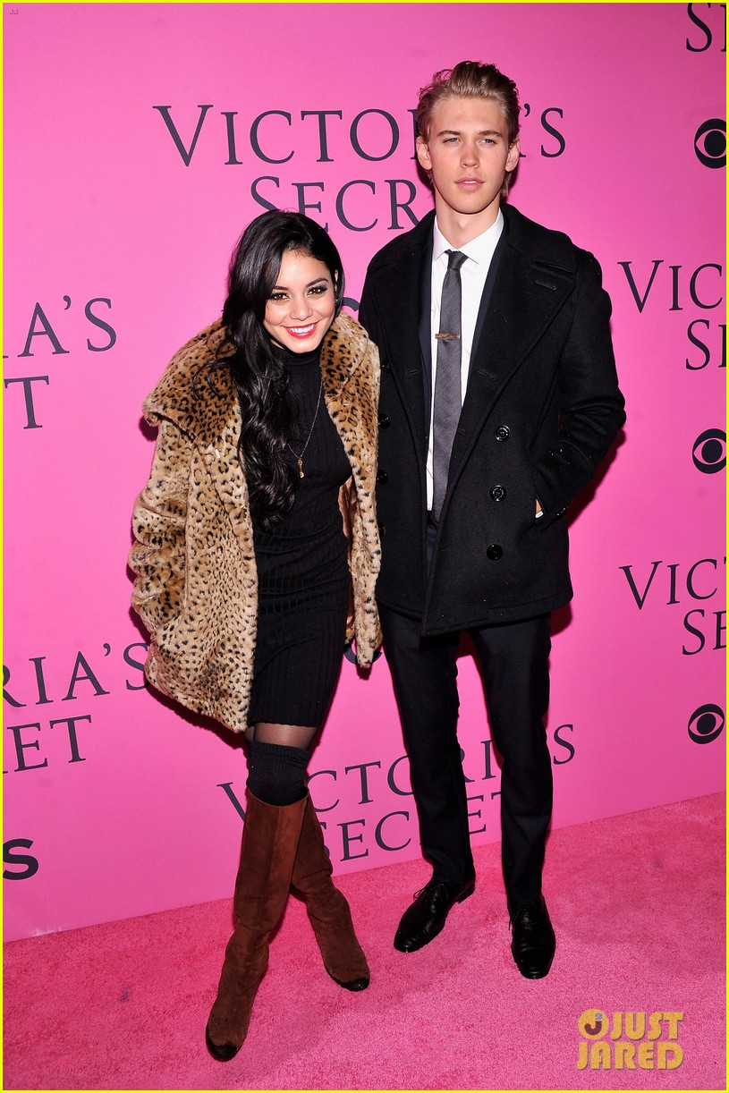 vanessa hudgens rolling stone party with austin butler 082753391
