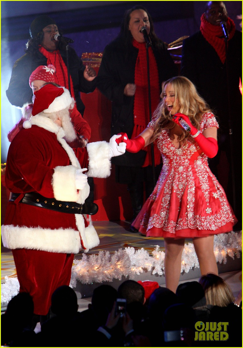 mariah carey rockefeller center tree lighting performance 012765182