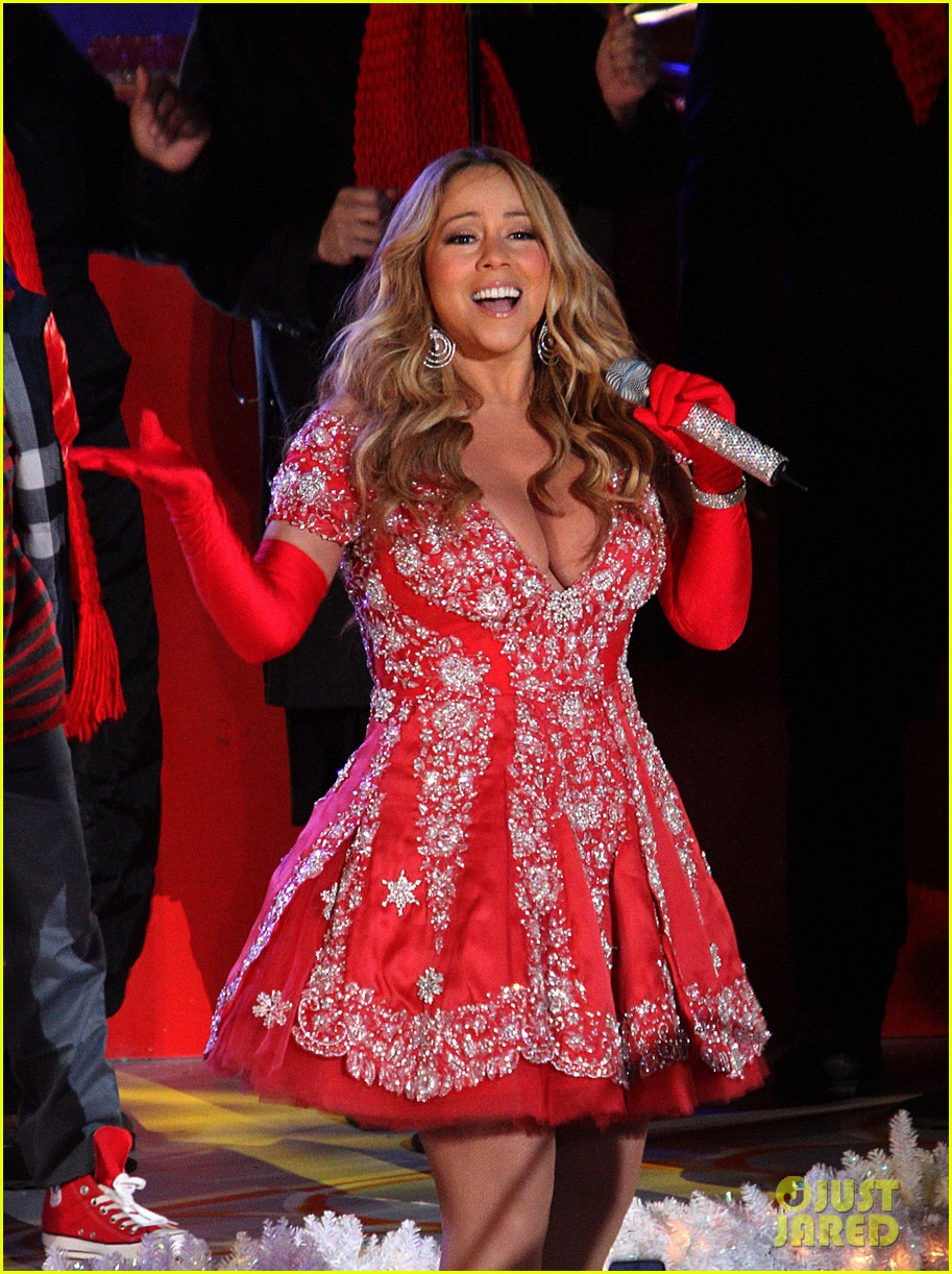 mariah carey rockefeller center tree lighting performance 03
