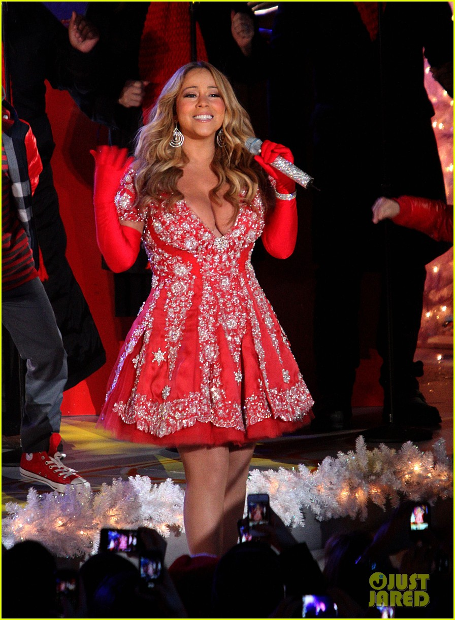 mariah carey rockefeller center tree lighting performance 082765189
