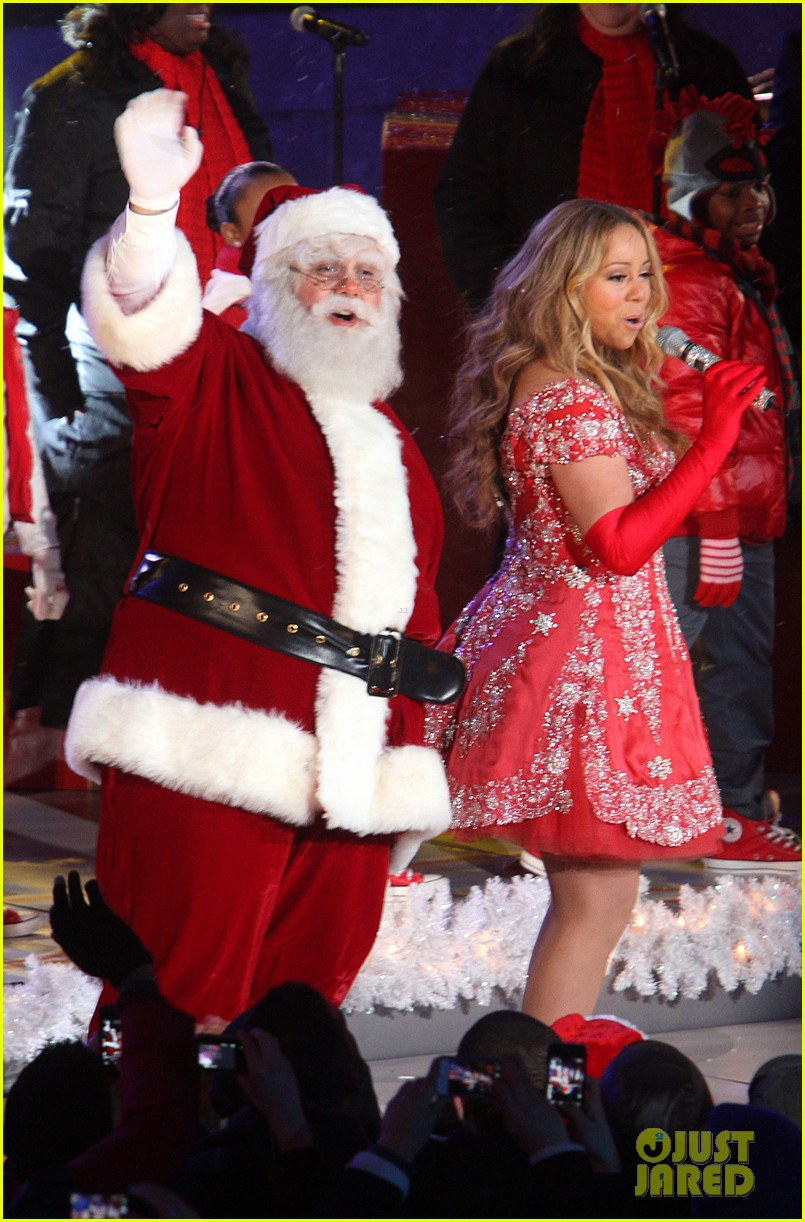 mariah carey rockefeller center tree lighting performance 18