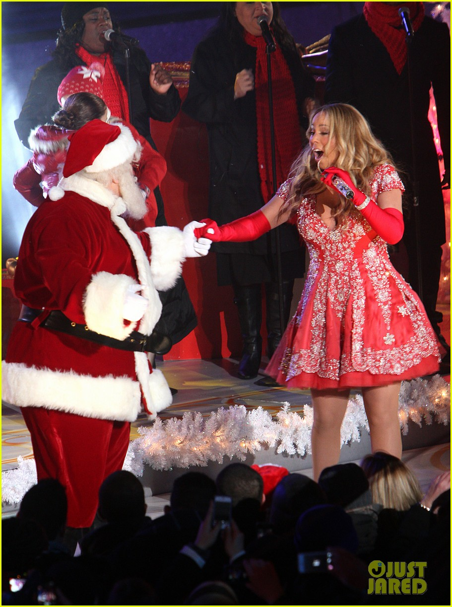 mariah carey rockefeller center tree lighting performance 212765202