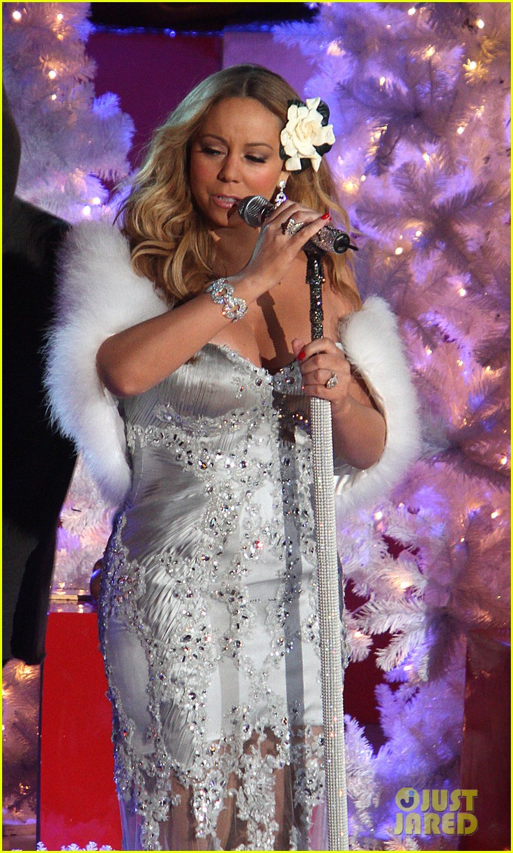 mariah carey rockefeller center tree lighting performance 25