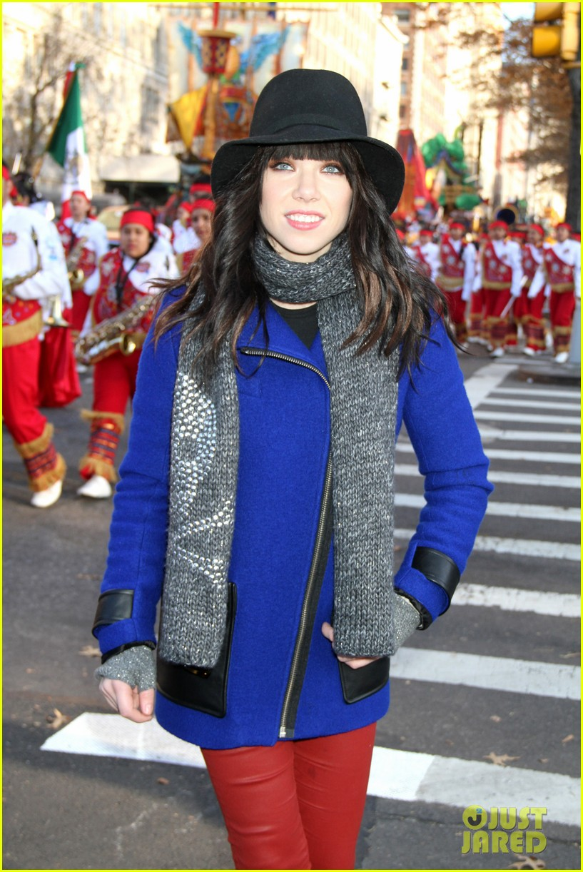 carly rae jepsen the wanted macys thanksgiving day parade 2012 022762964