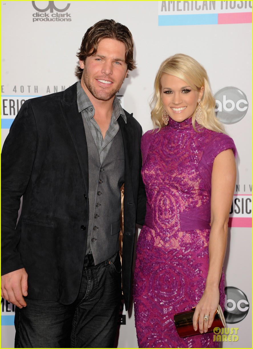 carrie underwood amas red carpet 052760334