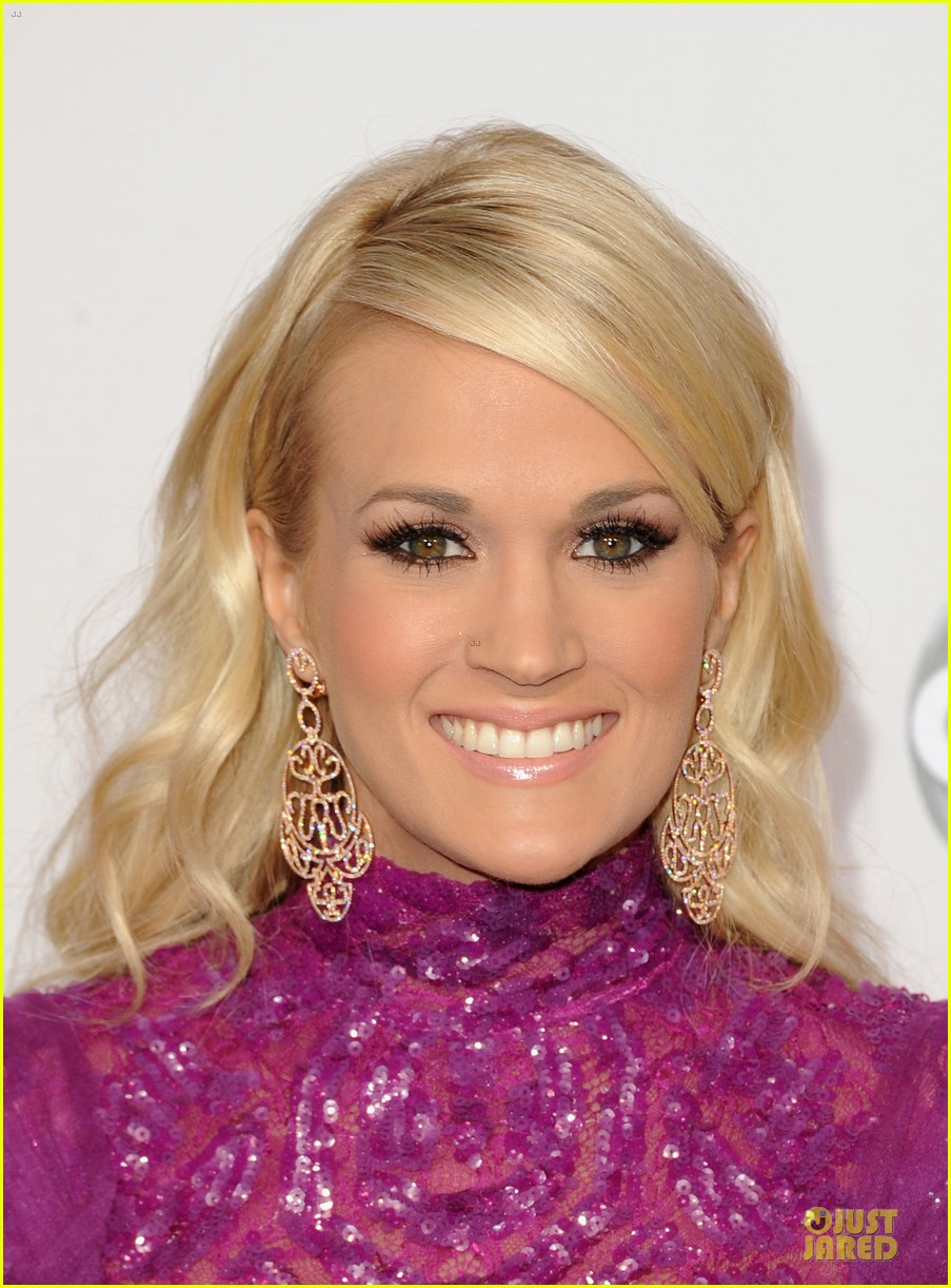 carrie underwood amas red carpet 07