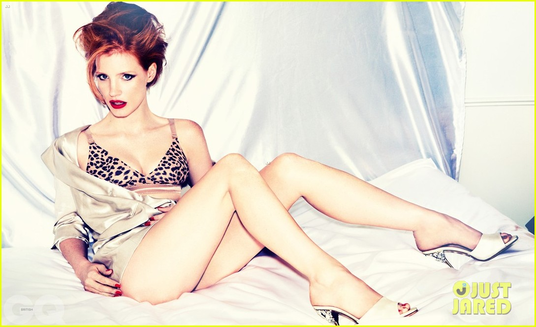 jessica chastain covers british gq january 2013 04