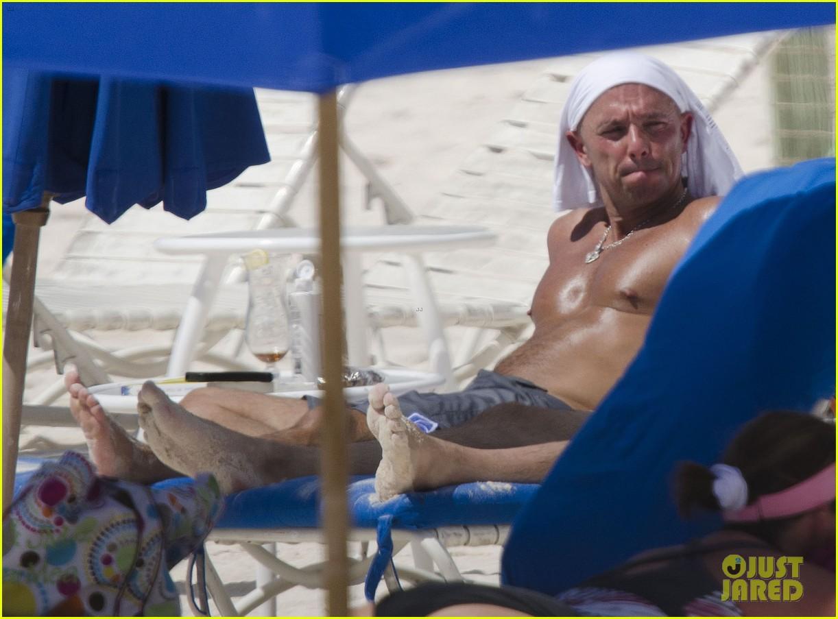 kenny chesney no shirt no problem 052758555