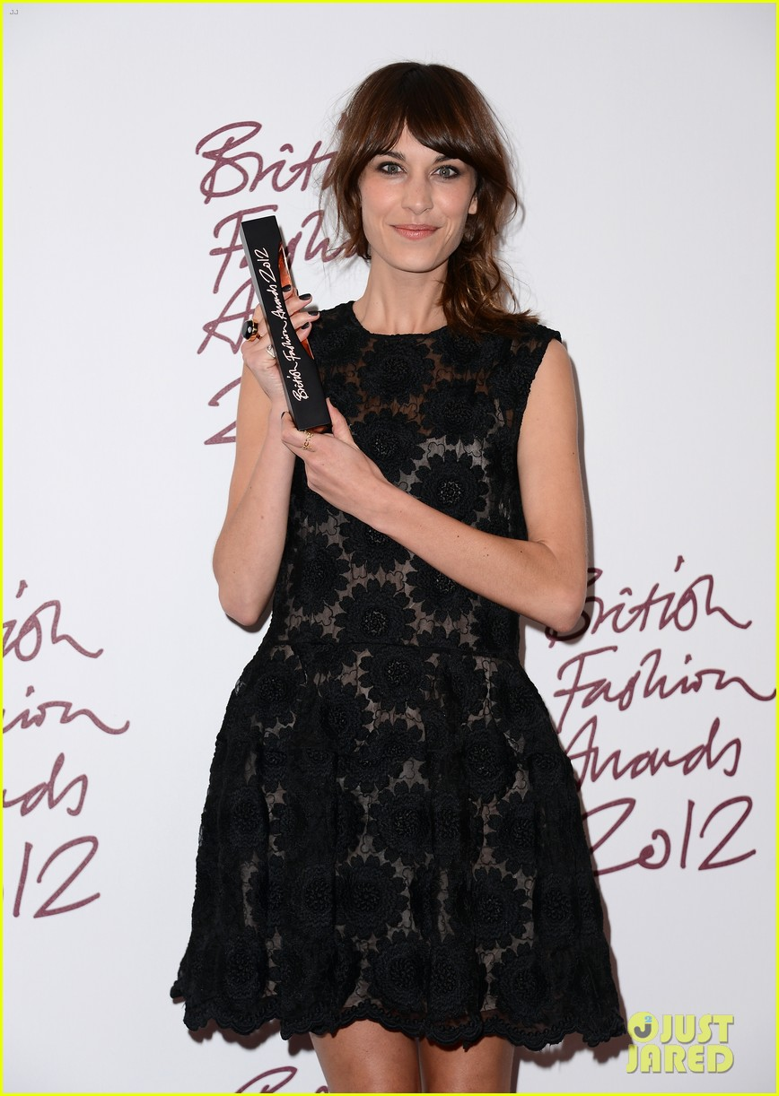 alexa chung cara delevingne british fashion awards winners 03