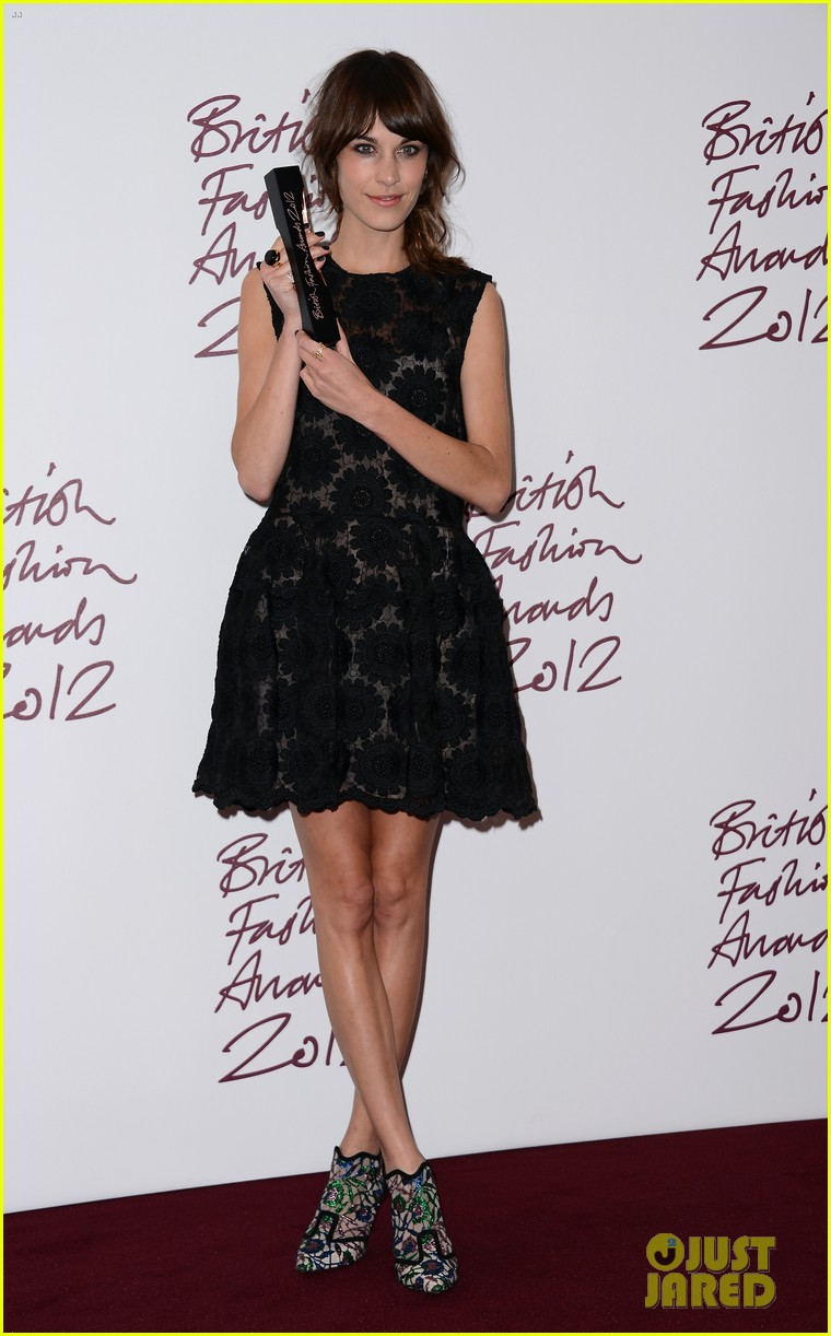 alexa chung cara delevingne british fashion awards winners 142764815