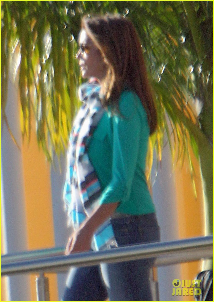 george clooney stacy keibler thanksgiving in mexico 212762383