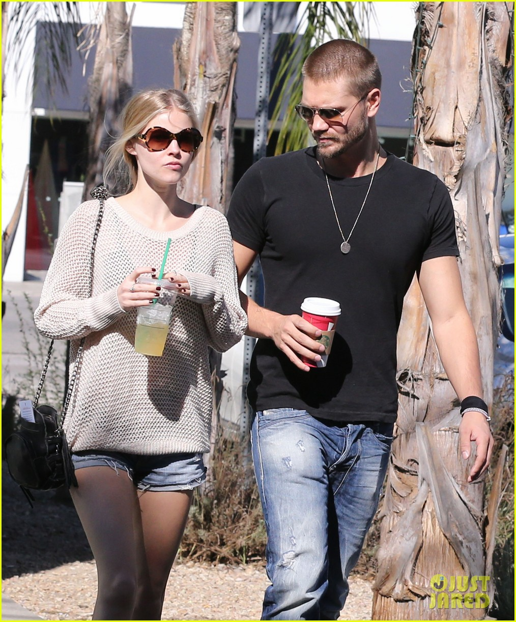 chad michael murray kenzie dalton starbucks sweeties 132752513
