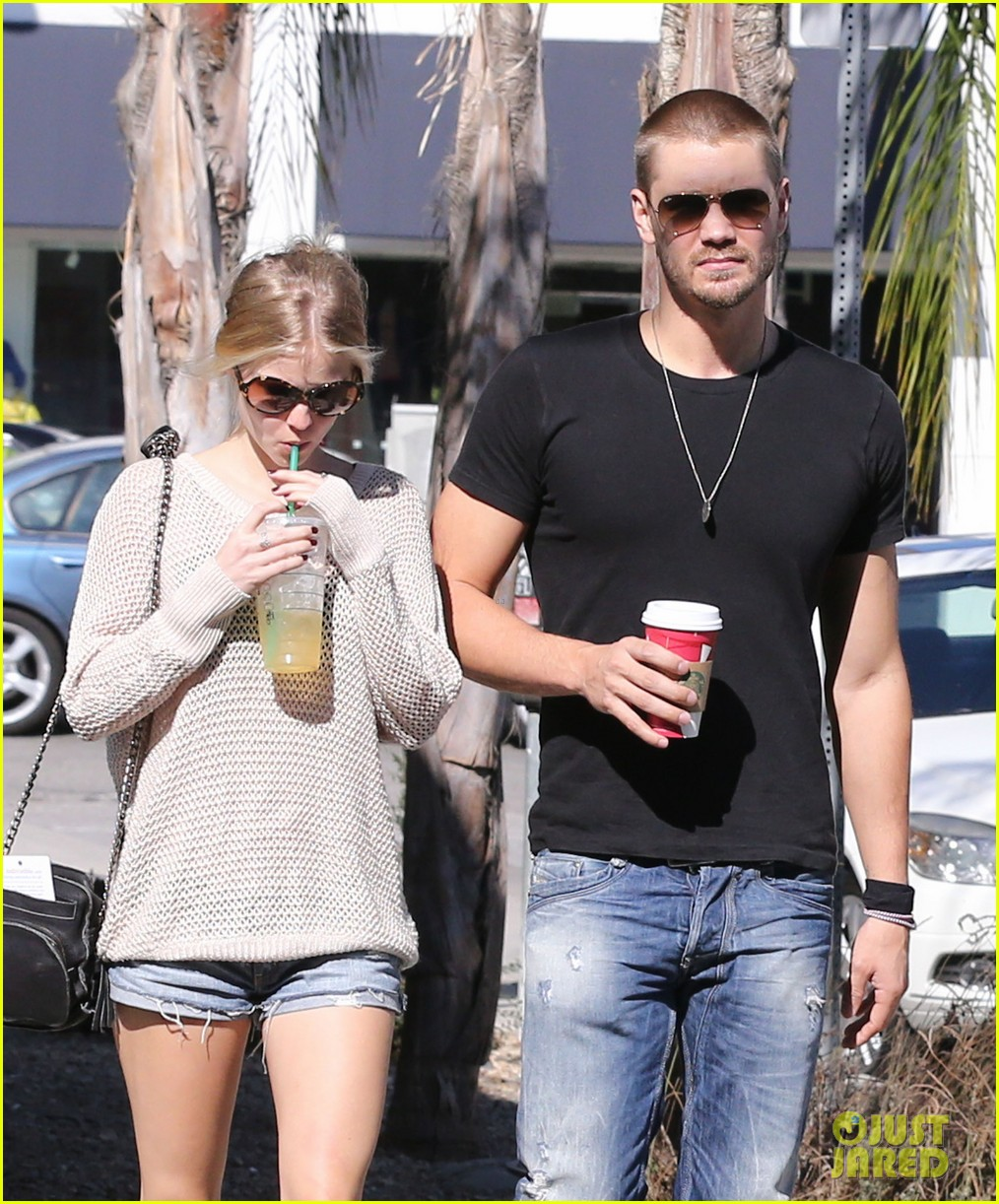 chad michael murray kenzie dalton starbucks sweeties 15