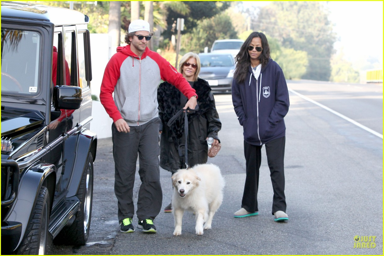 bradley cooper zoe saldana thanksgiving day outing 172763663