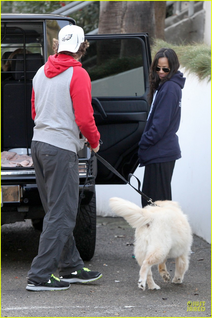bradley cooper zoe saldana thanksgiving day outing 182763664
