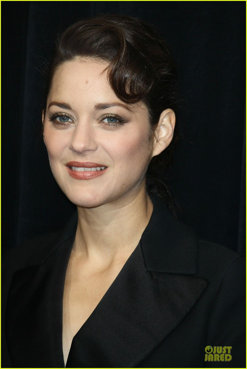 marion cotillard christmas illuminations launch 06
