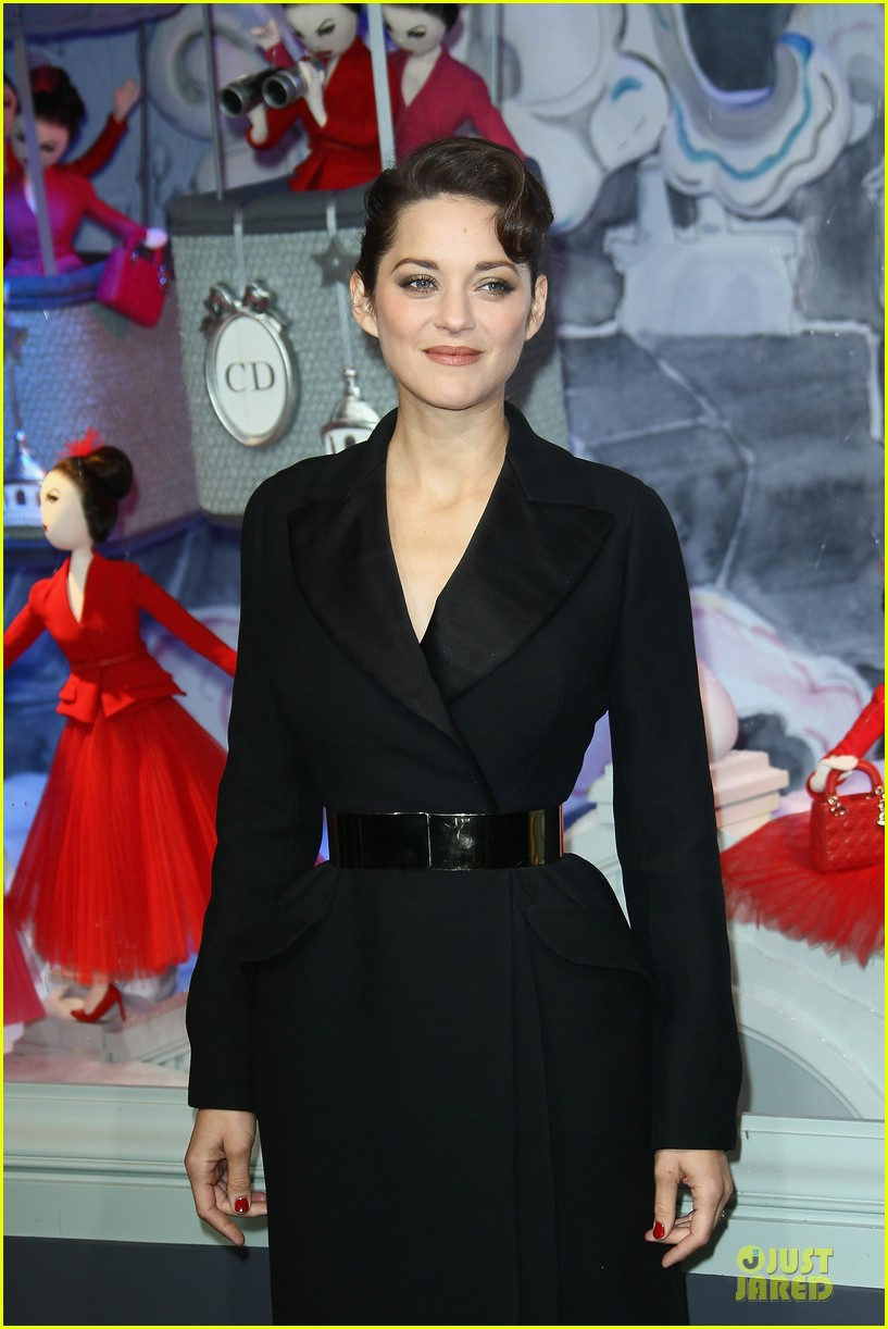 marion cotillard christmas illuminations launch 10