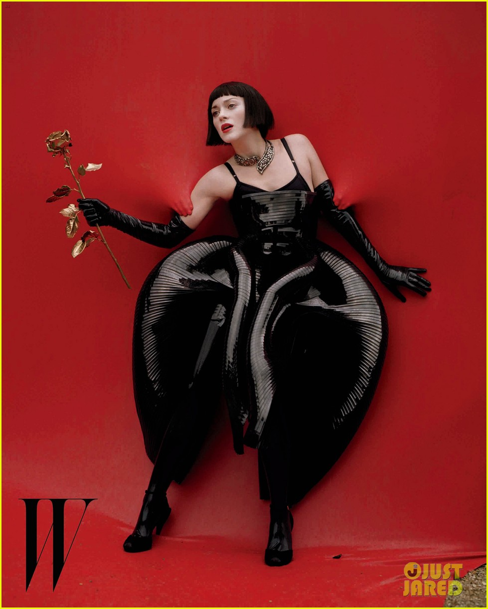 marion cotillard covers w magazine december 2012 012757699