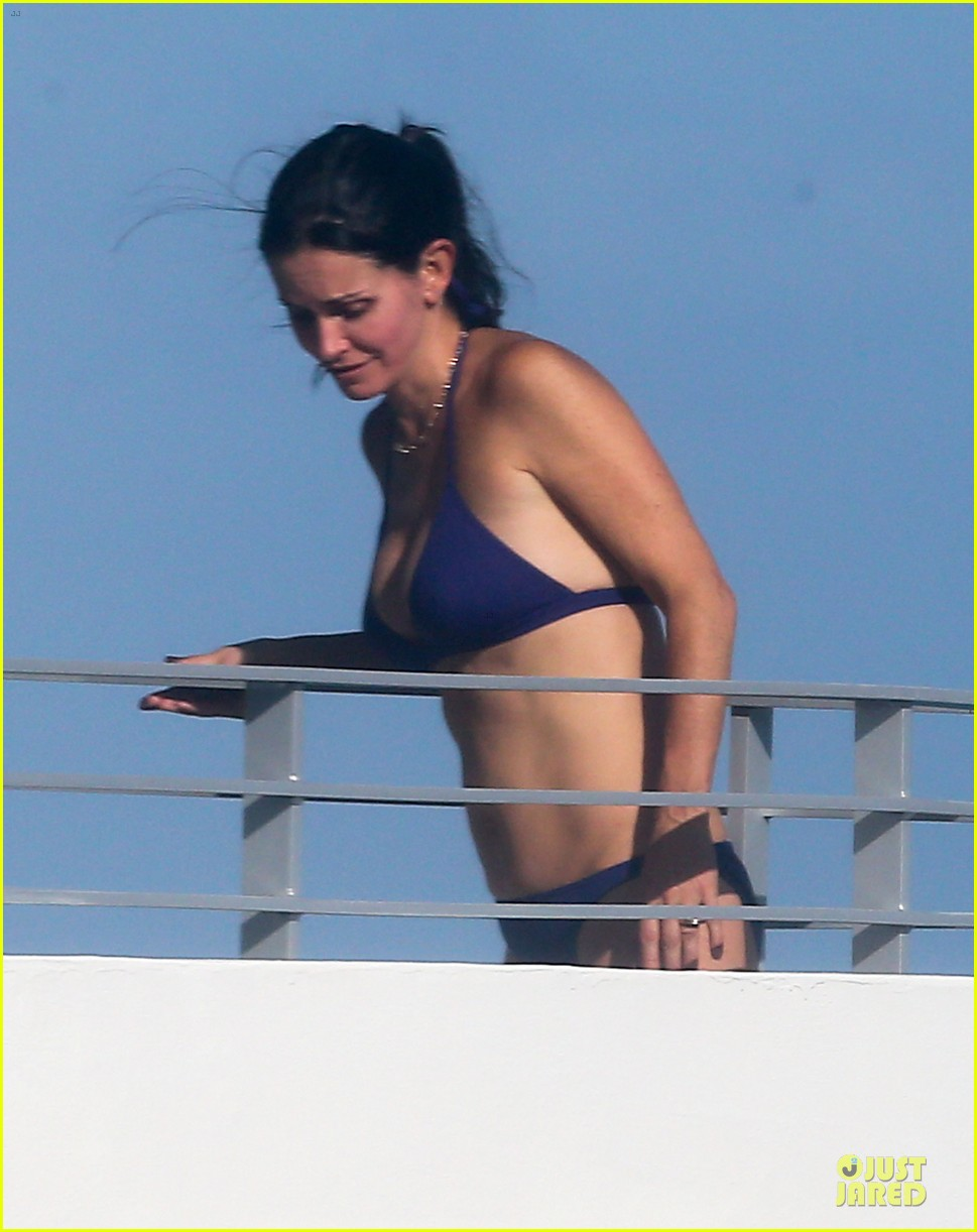 courteney cox miami bikini mama 04