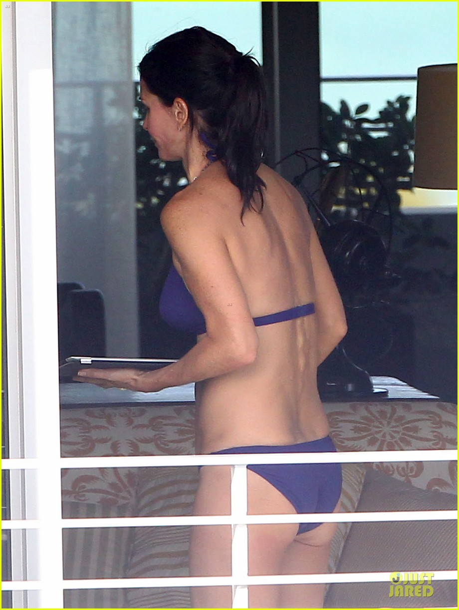 courteney cox miami bikini mama 082761006