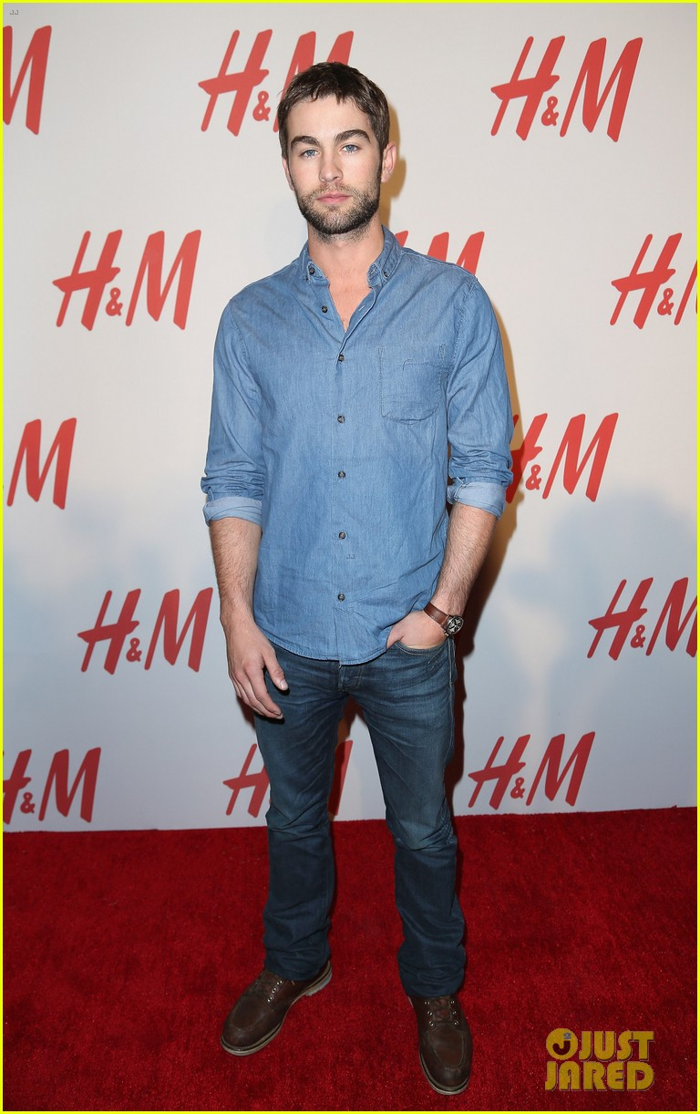 chace crawford matthew morrison hm store opening 042755026