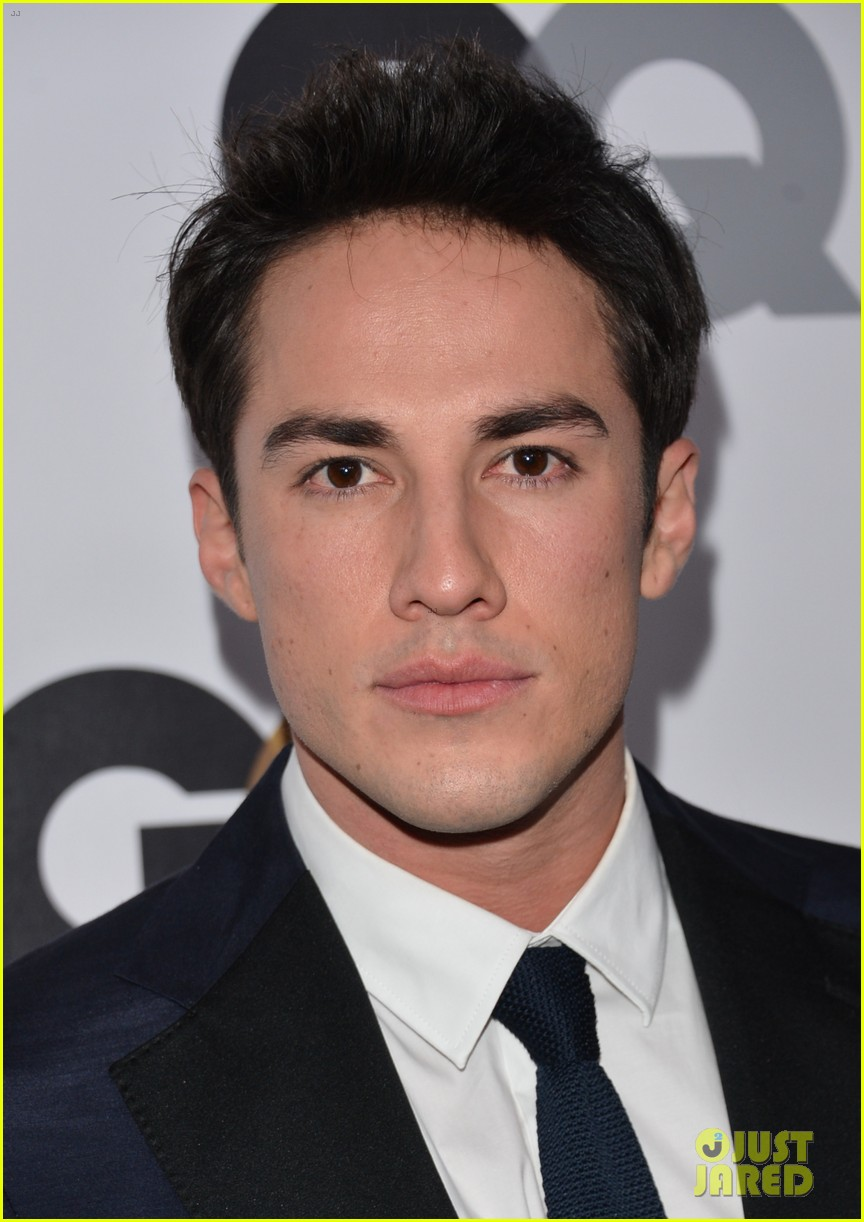 michael trevino and jenna ushkowitz dating 2012 nfl