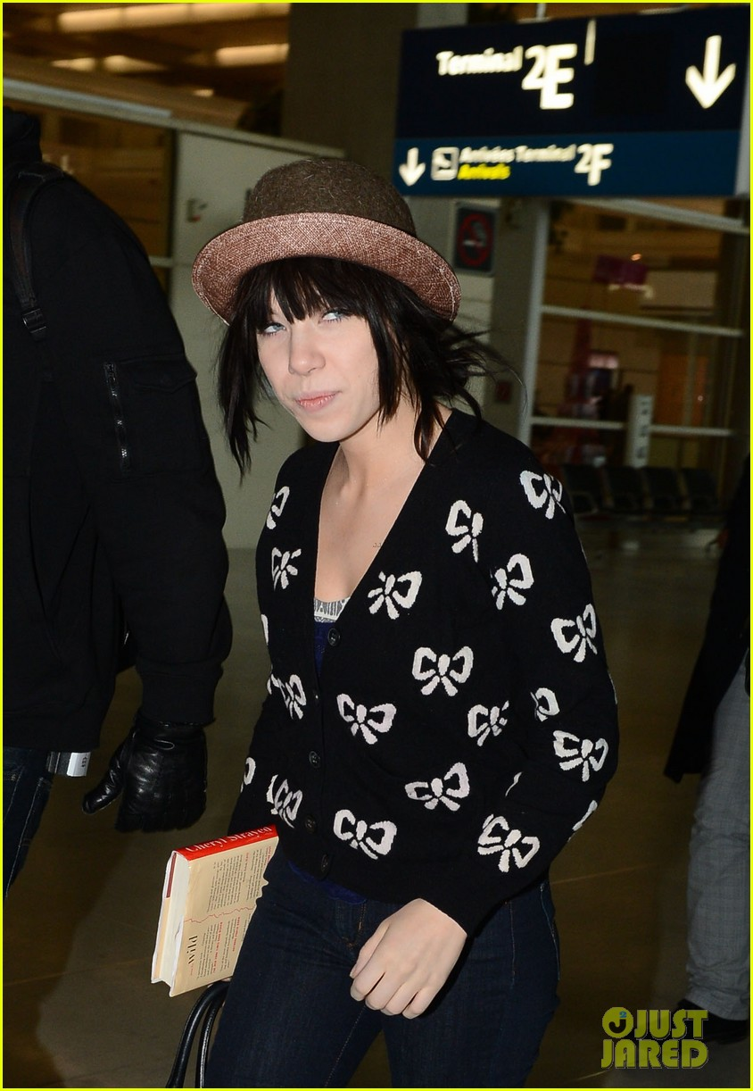 carly rae jepsen pretty in paris 052756723