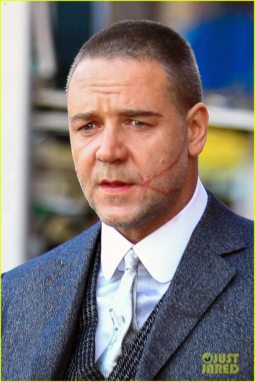 russell crowe facial scar for winters tale 022764369