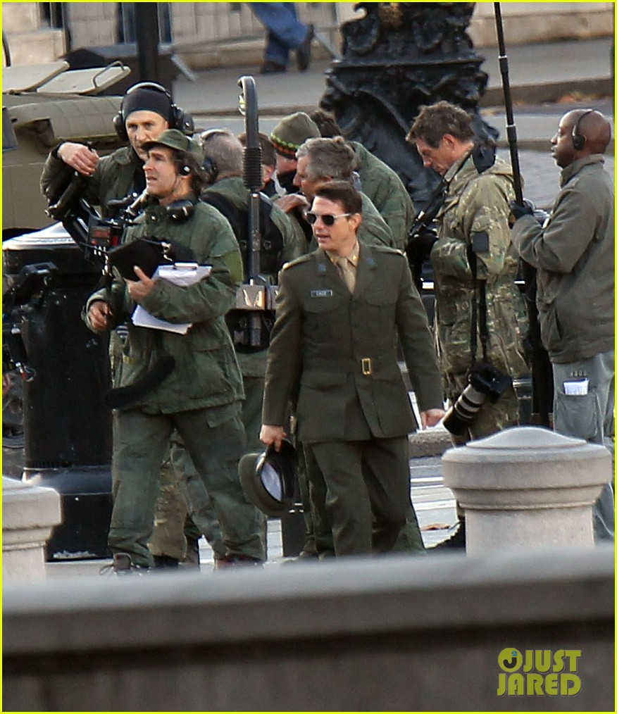tom cruise military attire for all you need is kill 182763570