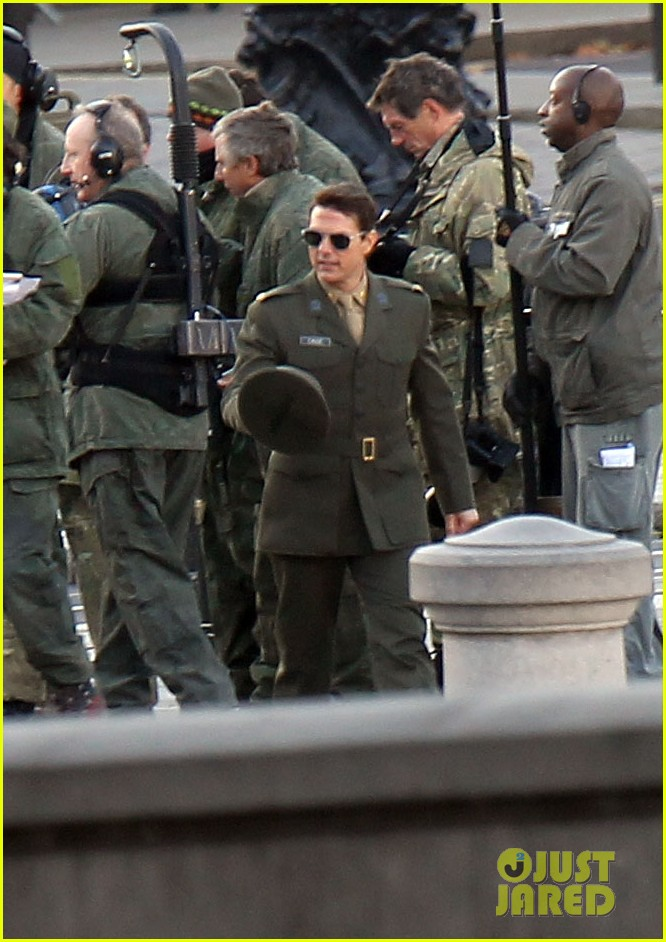 tom cruise military attire for all you need is kill 212763573