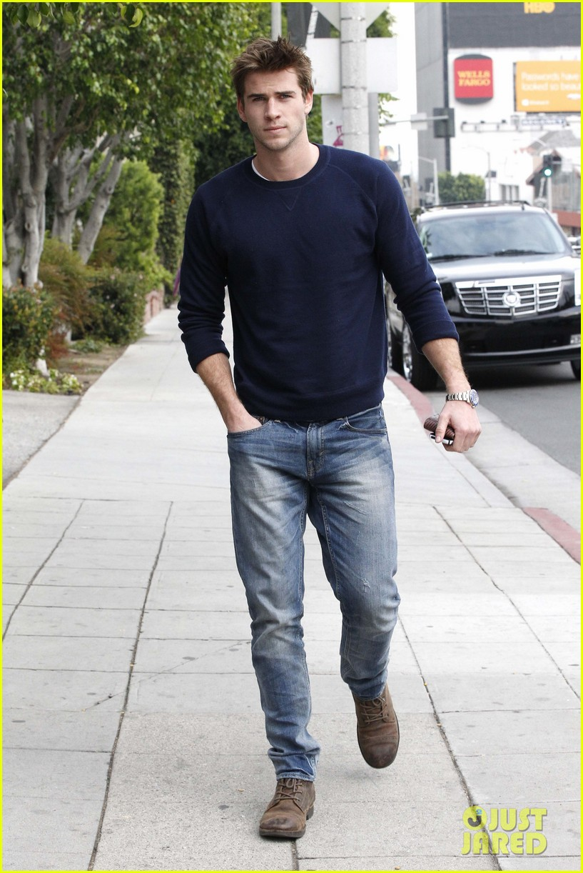 miley cyrus liam hemsworth separate business meetings 04