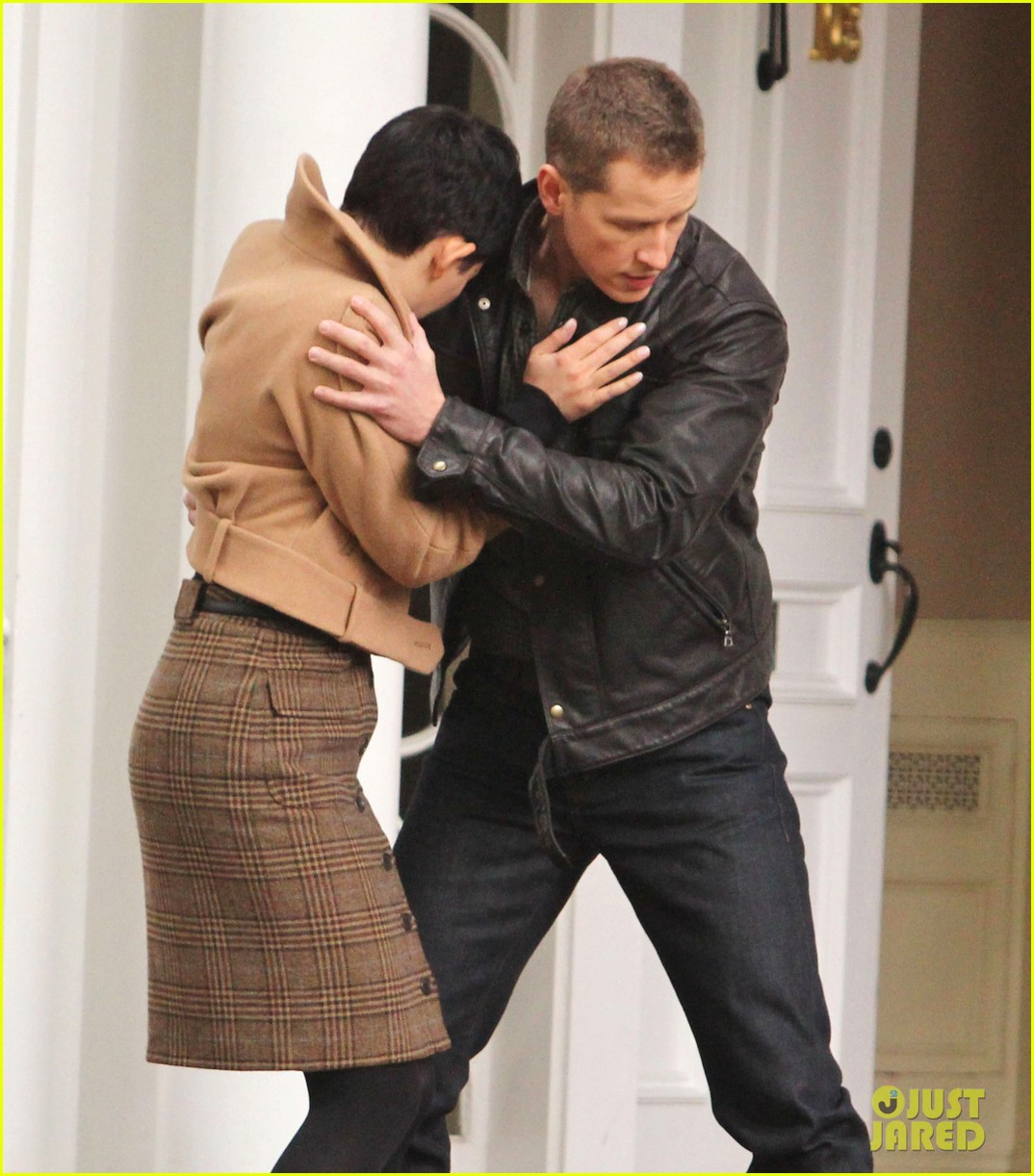 josh dallas protects ginnifer goodwin on once upon a time set 022749337