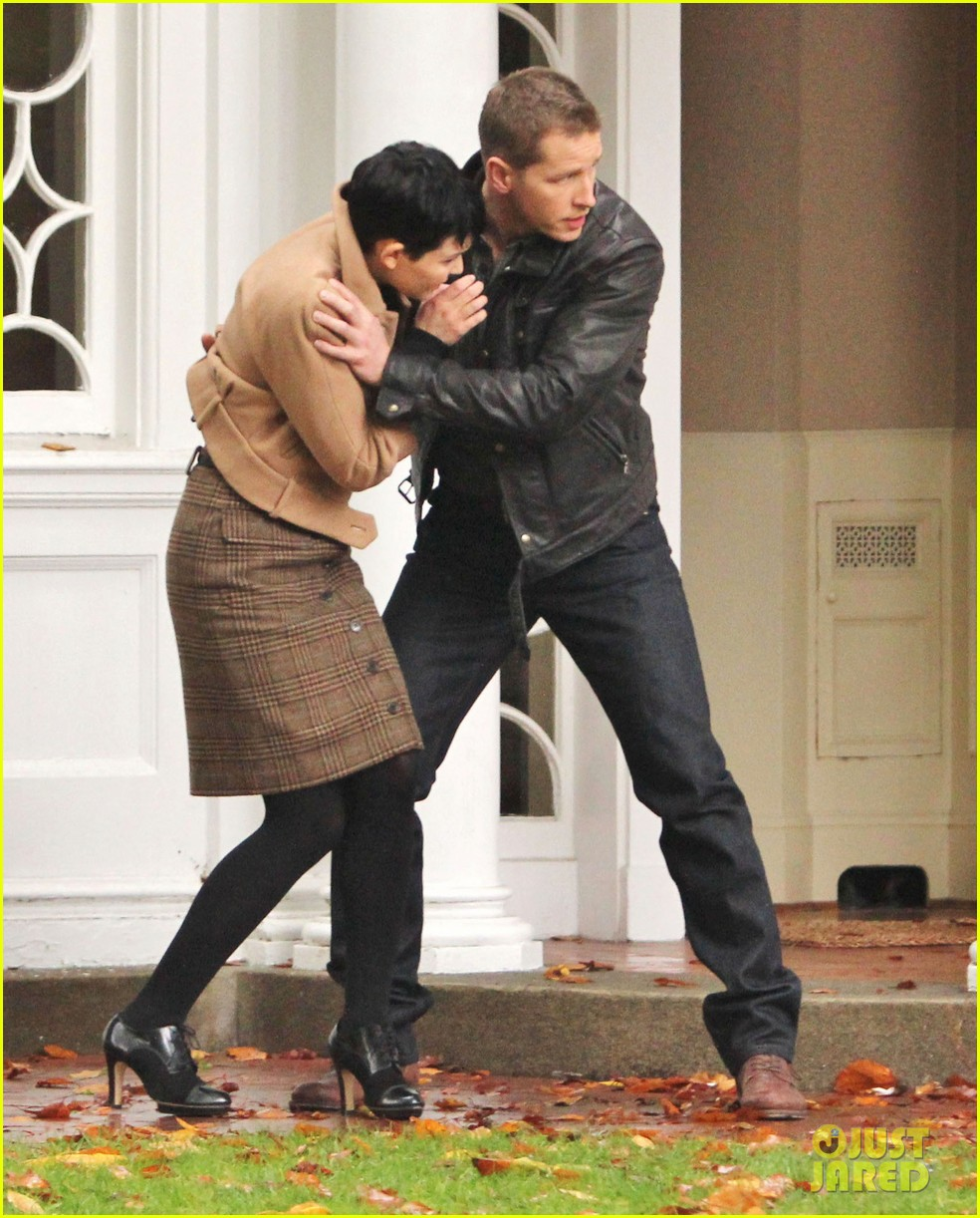 josh dallas protects ginnifer goodwin on once upon a time set 052749340