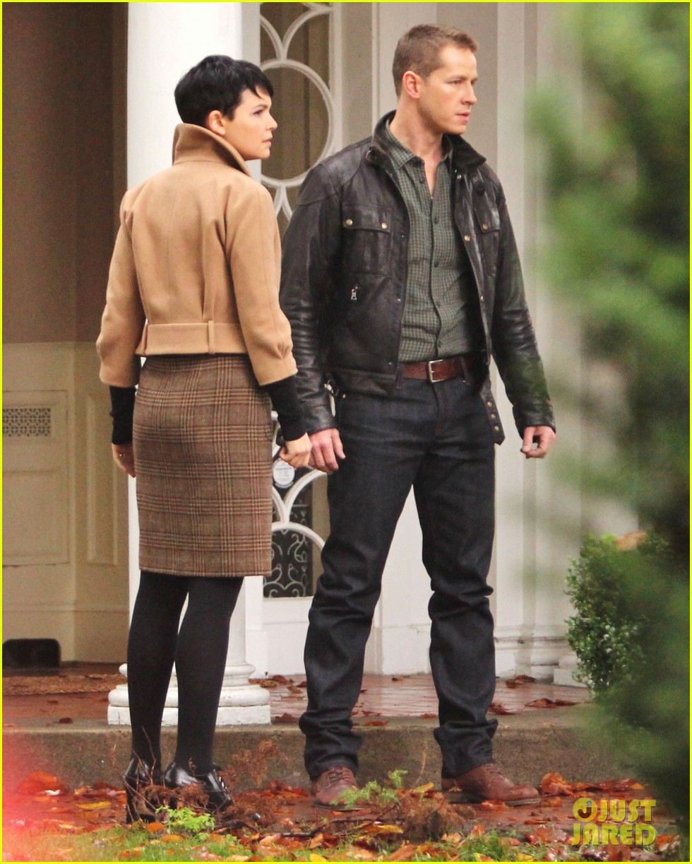 josh dallas protects ginnifer goodwin on once upon a time set 082749343