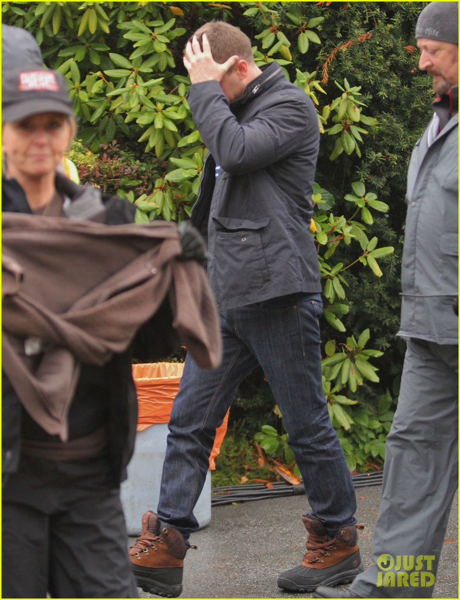 josh dallas protects ginnifer goodwin on once upon a time set 182749353