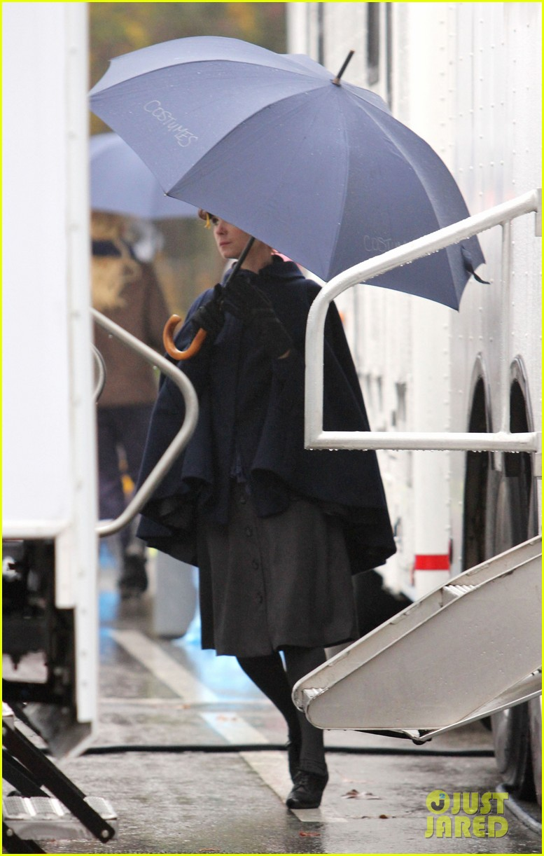 josh dallas protects ginnifer goodwin on once upon a time set 24