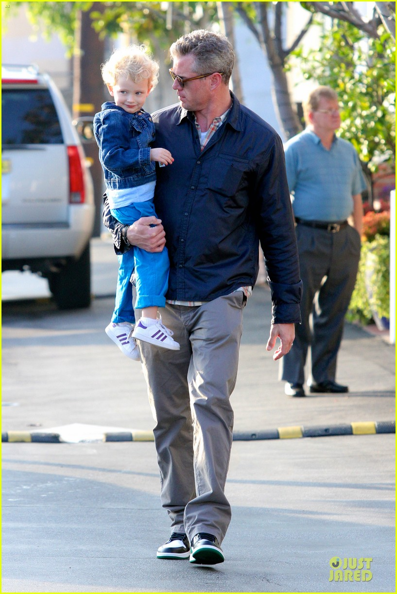 eric dane rebecca gayheart holiday shopping with billie 112764855