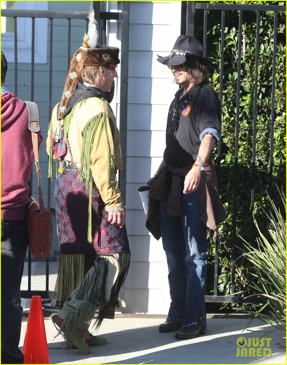 johnny depp plays daddy at school fundraiser 062761518