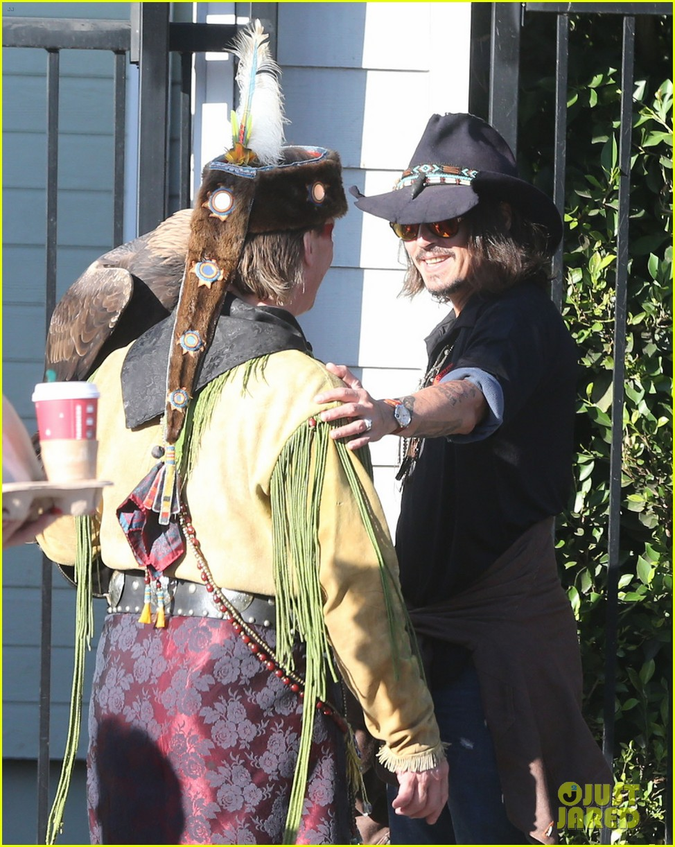 johnny depp plays daddy at school fundraiser 072761519