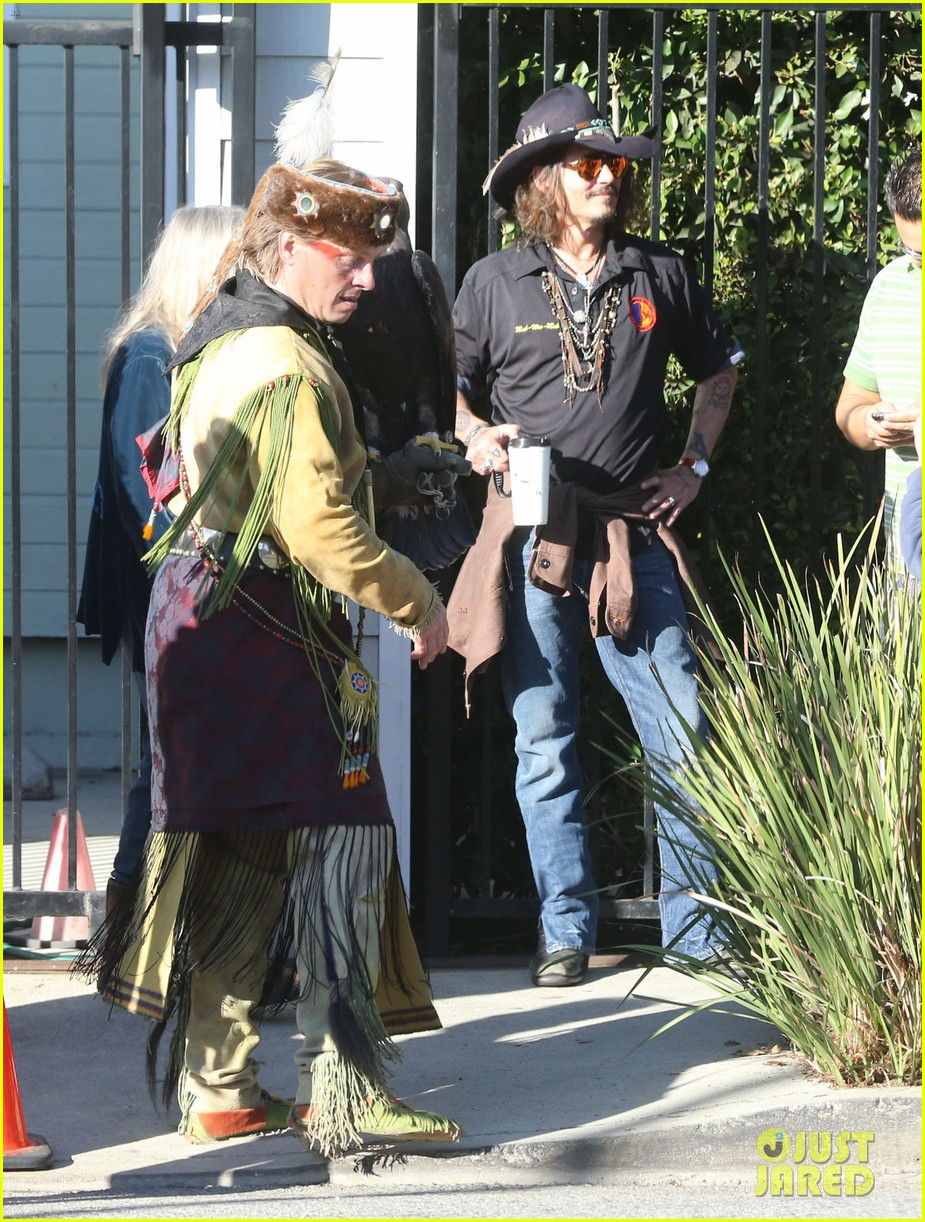 johnny depp plays daddy at school fundraiser 122761524
