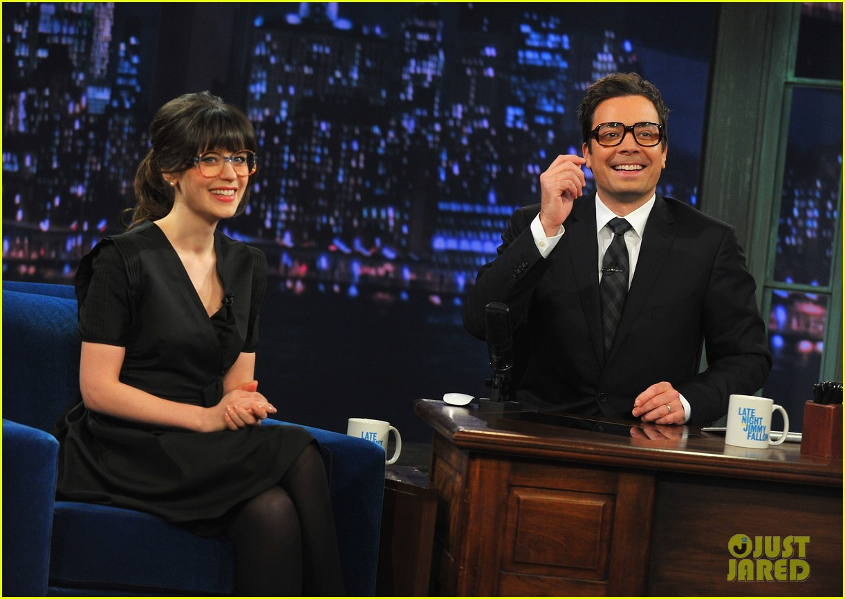 zooey deschanel late night with jimmy fallon appearance 052761268