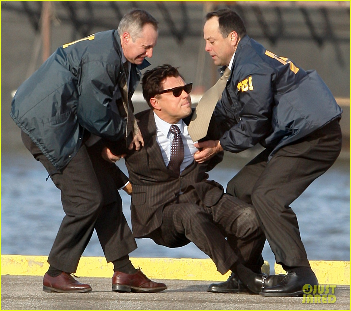 leonardo dicaprio arrested on wolf of wall street set 04