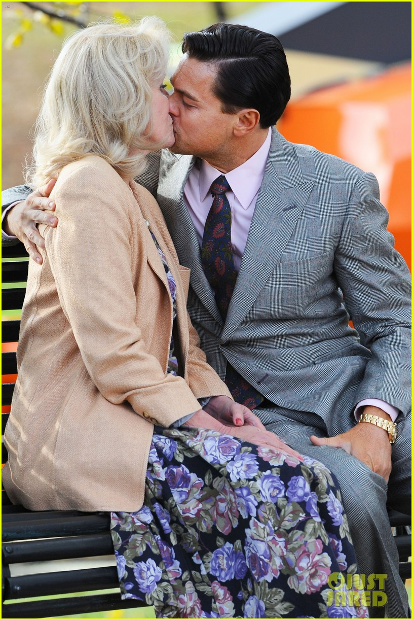 leonardo dicaprio kisses joanna lumley on wolf set 022761509