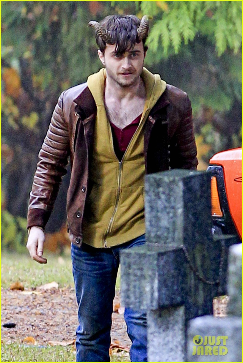 daniel radcliffe distressed horns 052749970