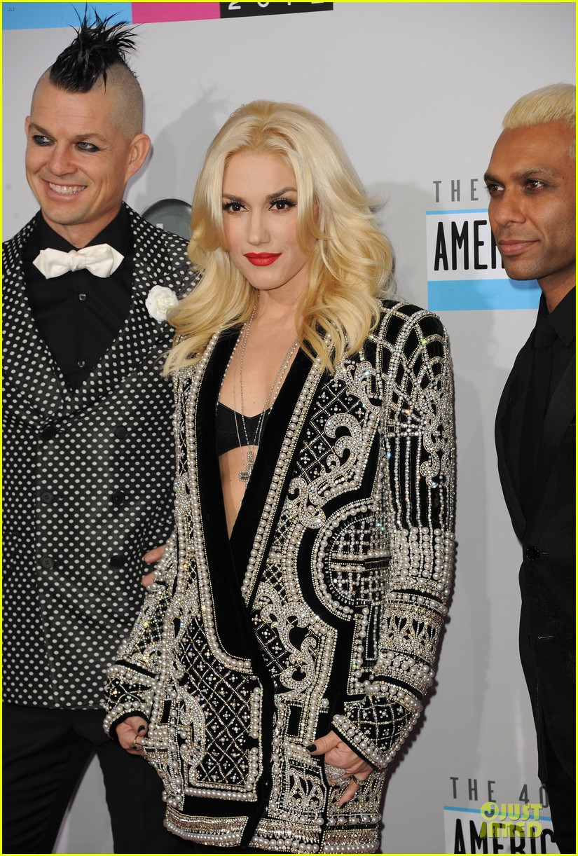 no doubt looking hot amas performance 022760390