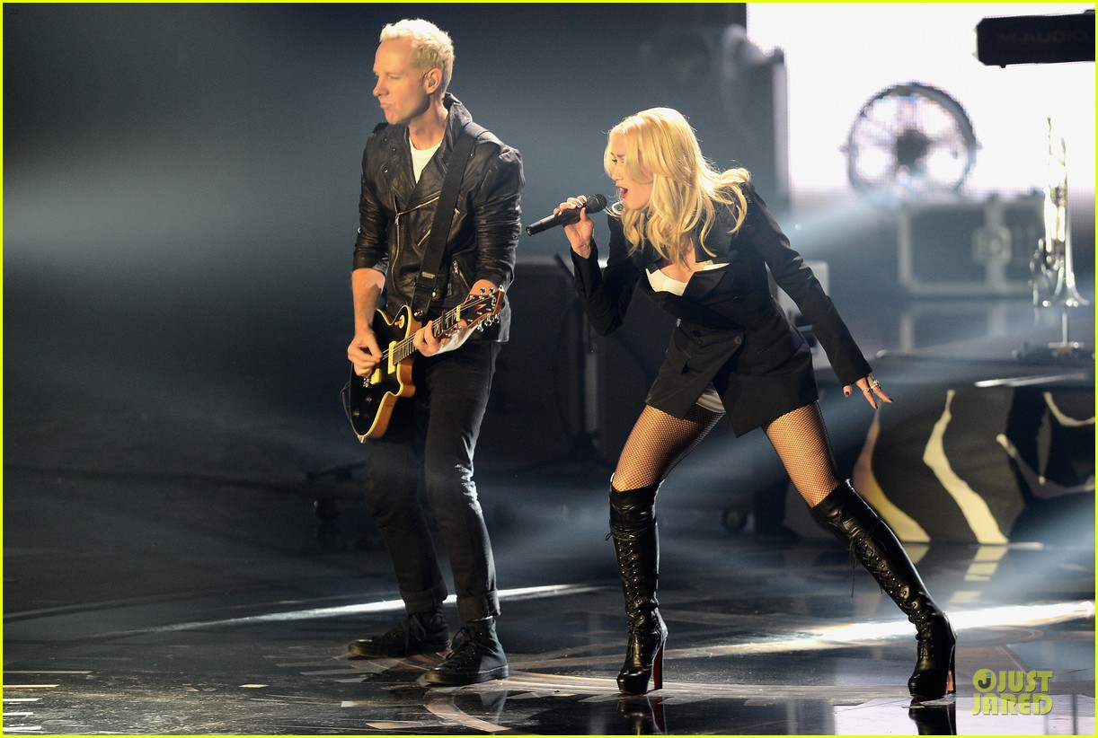 no doubt mtv emas performance watch now 052755481