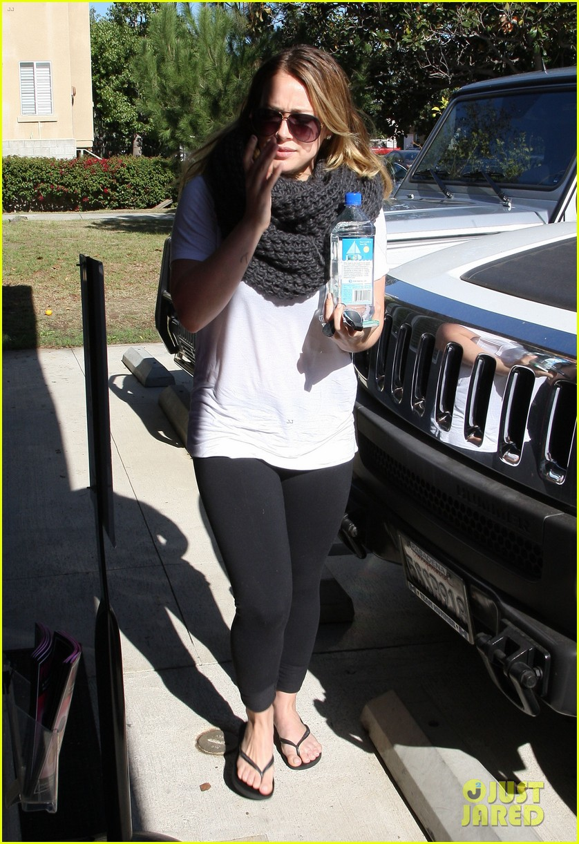hilary duff pilates class after canada trip 05