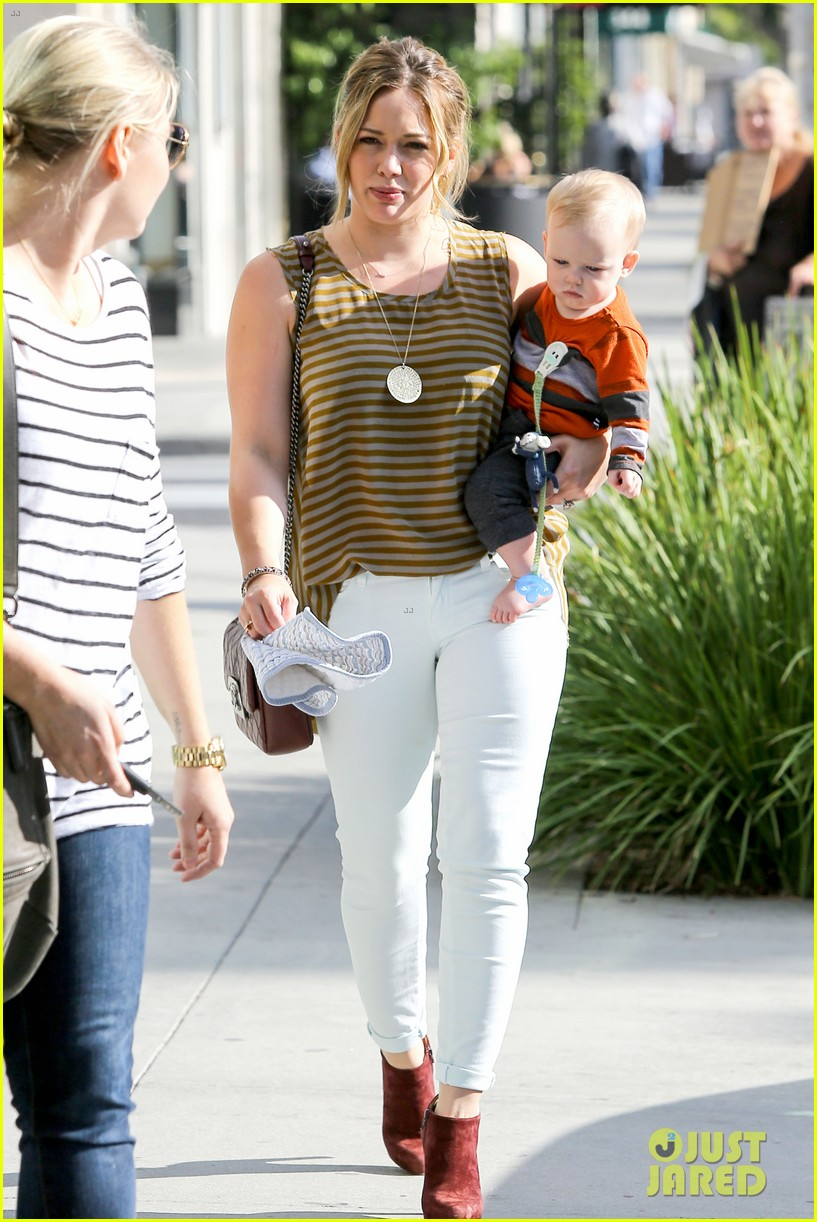 hilary duff baby luca is crawling photo 2749223